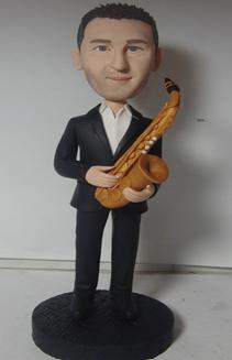statuina-realistica-personalizzata-con-sax